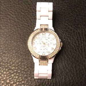 Guess Accessories - Guess all white watch